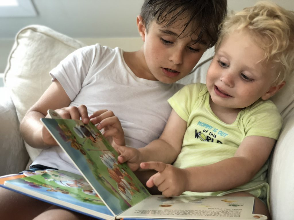A Great Format With Die Cut Tabs For Every Page Help Little Fingers Turn The Pages While Reading Classic Bible Stories That Are Simply Communicated And